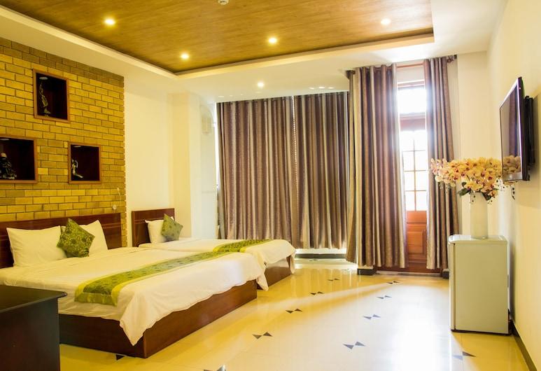 Xuan Hung Hotel, Da Nang, Deluxe Room, Living Room