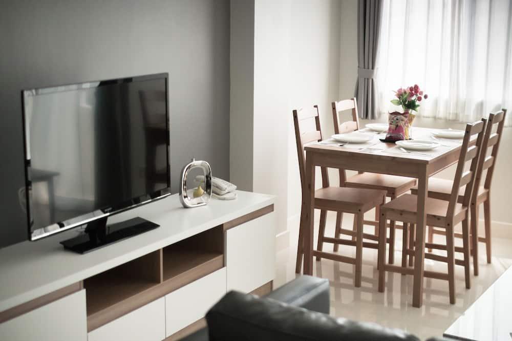 Junior Suite, 1 Bedroom - In-Room Dining