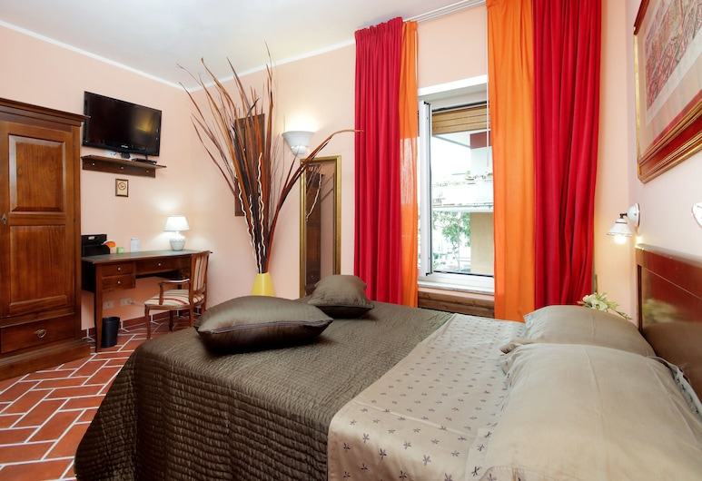 Lillihouse, Rome, Superior Double Room, 1 Double Bed, Non Smoking, Private Bathroom, Guest Room
