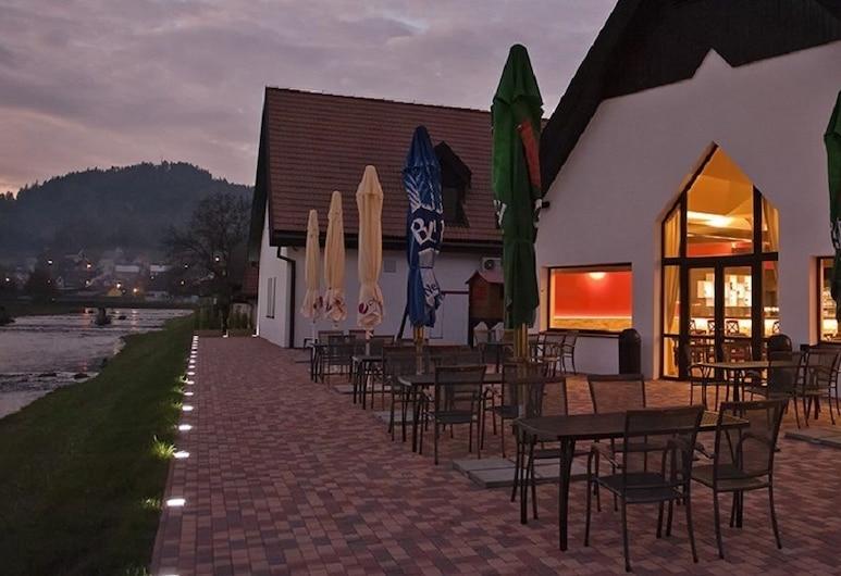 Hotel Vír, Vir