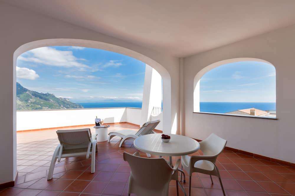 Deluxe Double or Twin Room - Balcony