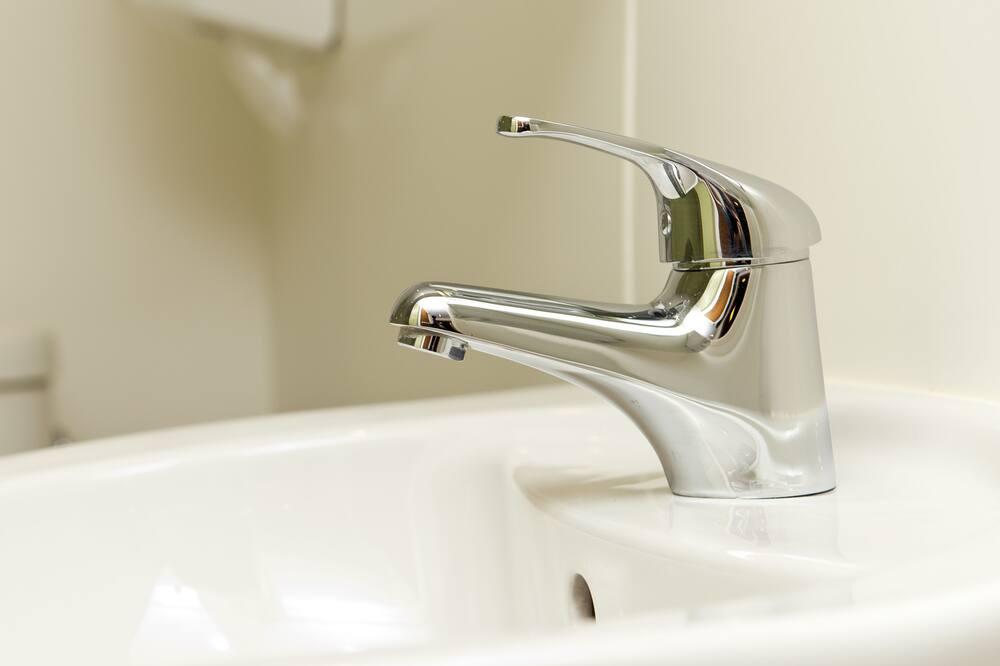 Ortak Ranzalı Oda, Sadece erkekler için, Ortak Banyo (Sleeps 6) - Banyo