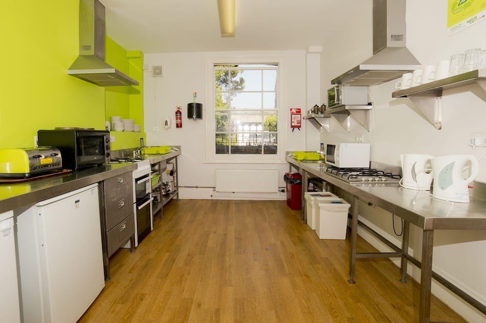 Room (2 Bed Private) - Shared kitchen