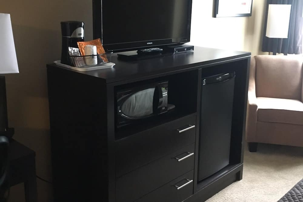 Kambarys, 1 didelė dvigulė lova - Televizija