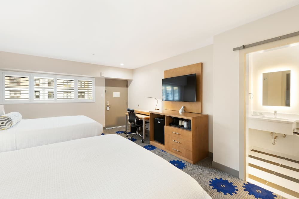 Standard Room, 2 Queen Beds, Non Smoking, Refrigerator - Guest Room