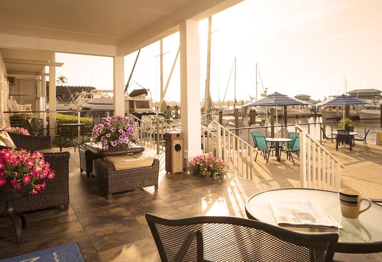 Cove Inn on Naples Bay, Нейплс, Вид снаружи / фасад