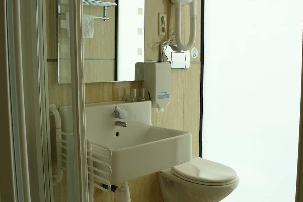 Design Double Room Single Use - Bathroom