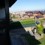 Doppelzimmer, Balkon - Blick auf die Stadt
