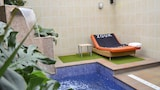 Choose This 2 Star Hotel In Alcala de Henares