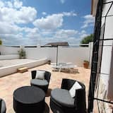 Deluxe Suite, 1 Double Bed - Terrace/Patio