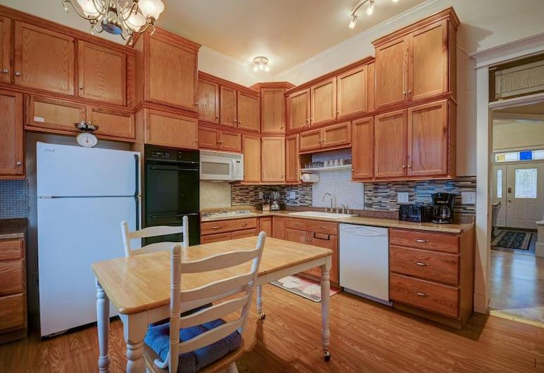 Bowen Motel, Moab, Luxury House, 5 Bedrooms, Kitchen, In-Room Kitchen