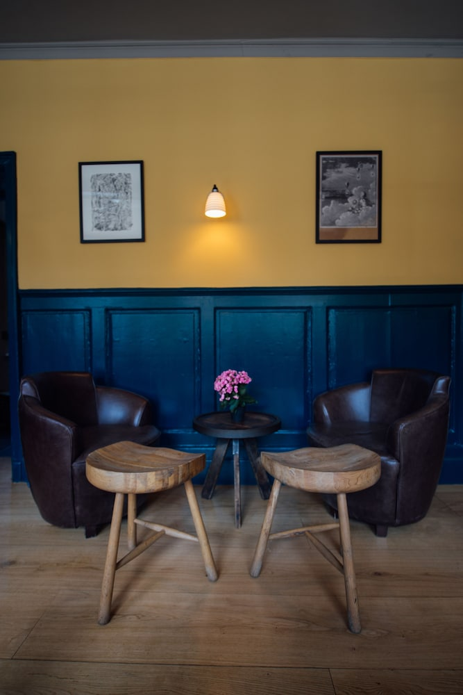 Book The Crown Thistle in Abingdon Hotelscom