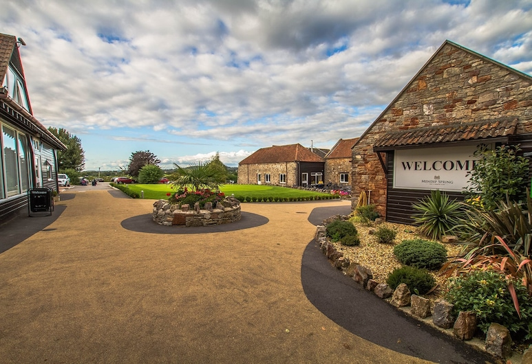 Mendip Spring Golf Club, Bristol, Hotel Front
