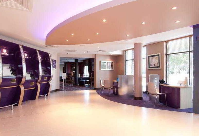 Premier Inn Gatwick Manor Royal, Crawley, Lobby