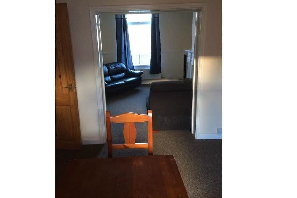 Talo, Oma kylpyhuone - Hotellin lounge