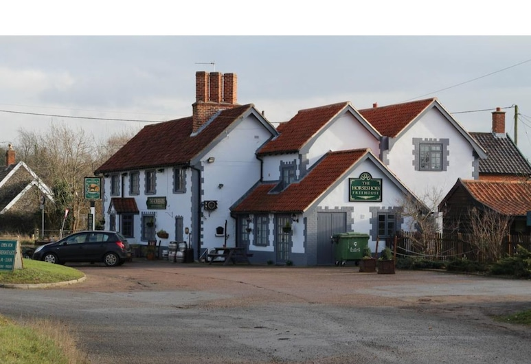 The Horseshoes, Diss
