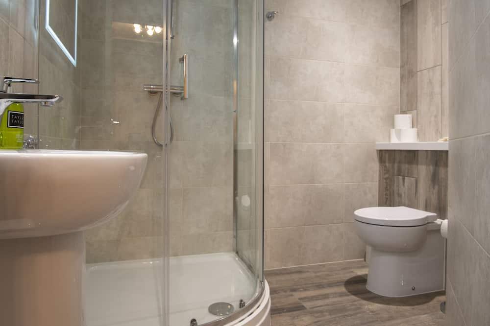 Apartmán typu Deluxe, súkromná kúpeľňa, čiastočný výhľad na more (Apartment Three) - Kúpeľňa