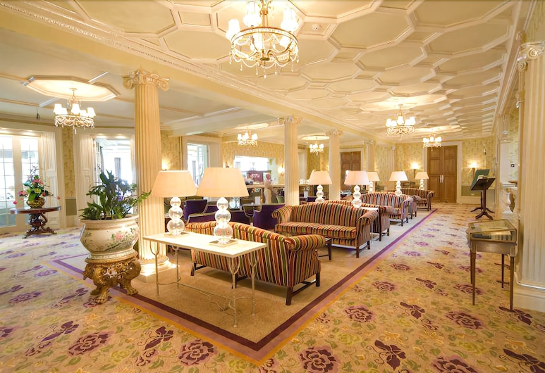 Phyllis Court Club, Henley-on-Thames, Lobby Sitting Area
