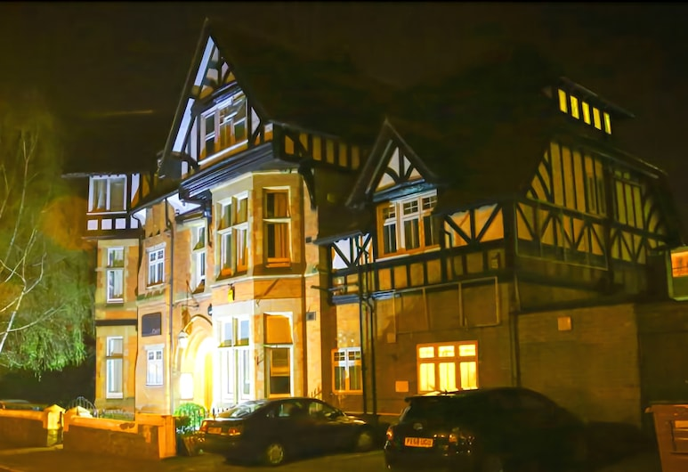 Croft Hotel, Leicester, Hotel Front – Evening/Night