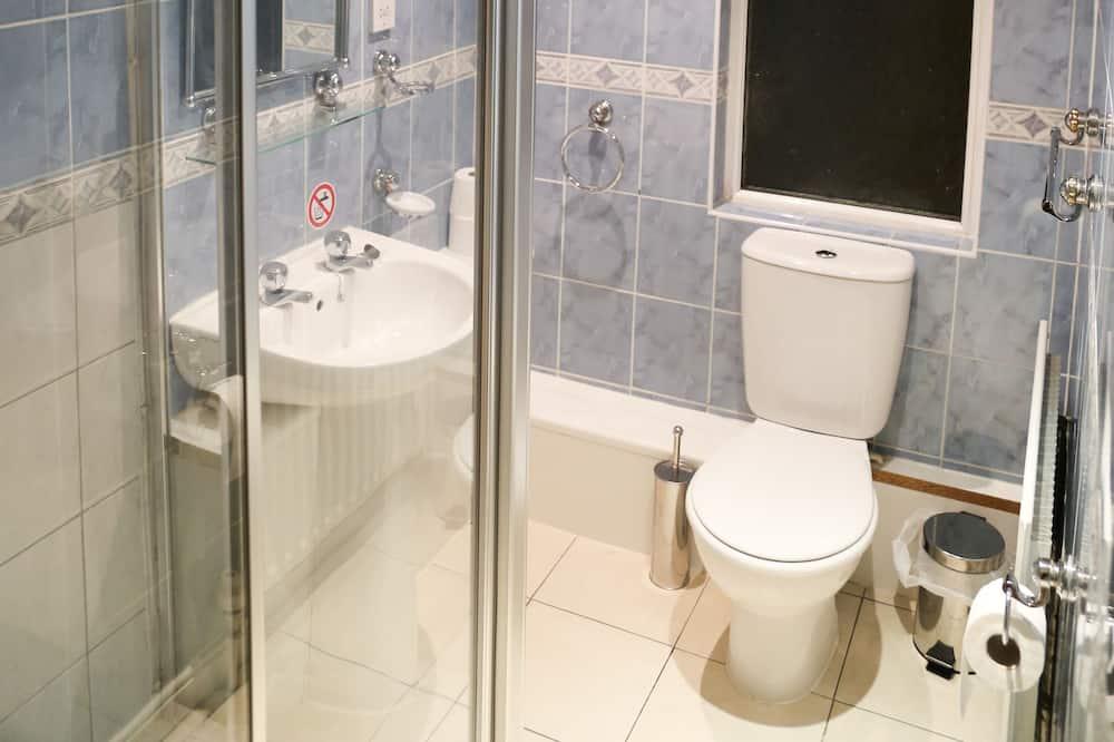 Familienzimmer, mit Bad - Badezimmer