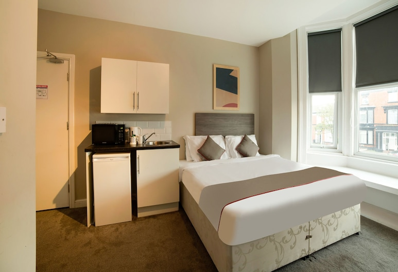 OYO Tequila and Dunlin Rooms, Southport, Superior Double Room, 1 Double Bed, Guest Room