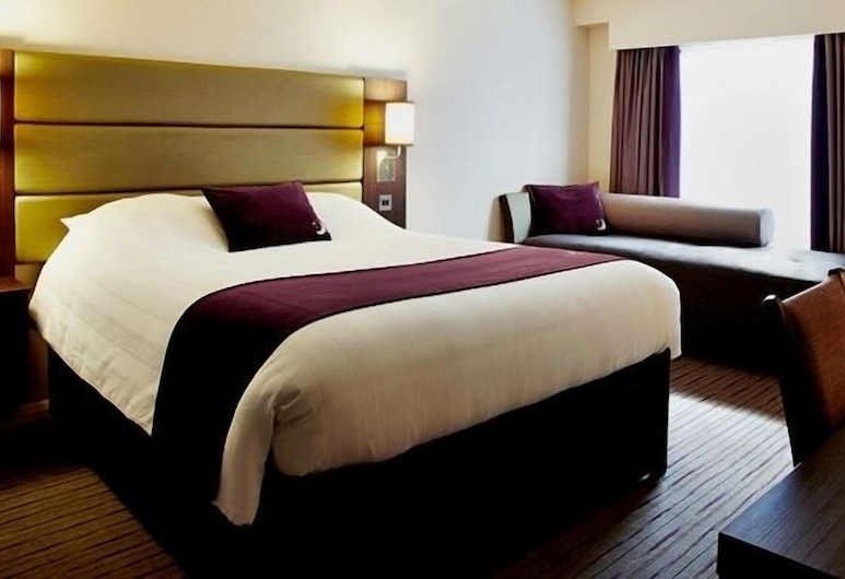 Premier Inn Manchester Trafford Centre North, אורמסטון