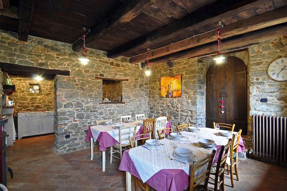Panoramic Ev, Dağ Manzaralı (Casa del Rocco) - Odada Yemek Servisi
