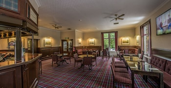 Enter your dates to get the Aberdeen hotel deal