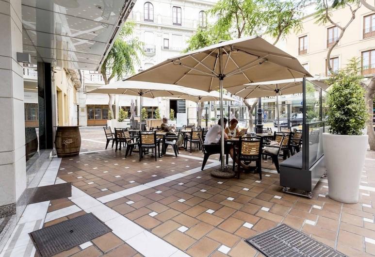 Apartamentos Torreluz, Almeria, Terase/iekšējais pagalms