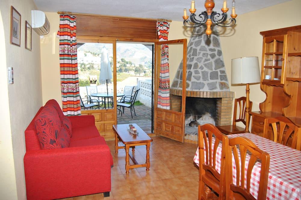 Domek, 2 ložnice, terasa - Obývací pokoj
