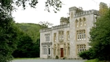 Choose this Country House in Abergele - Online Room Reservations