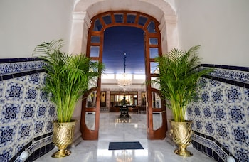 Enter your dates to get the Aguascalientes hotel deal
