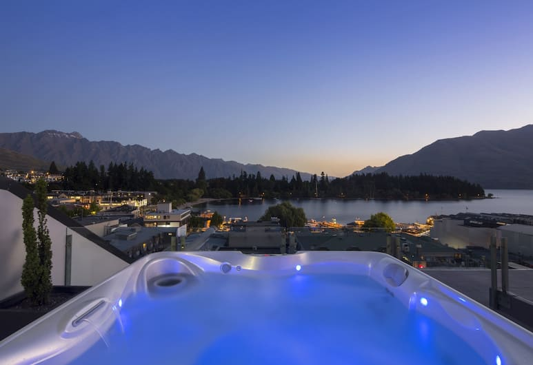 Shotover Penthouse, Queenstown, Bubbelpool utomhus