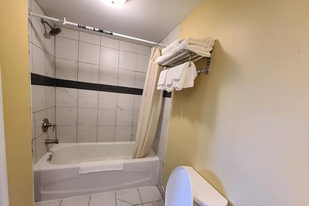 Family Oda, Birden Çok Yatak - Banyo