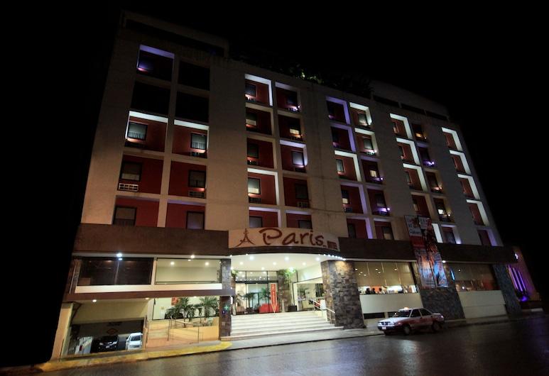 Paris FC HOTEL, Poza Rica, Fachada del hotel de noche