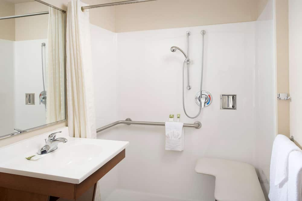 Room, 1 Queen Bed, Accessible, Non Smoking (Roll-in Shower) - Bathroom