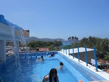 Picture of Hotel Corona Zihuatanejo in Zihuatanejo