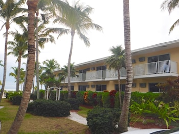 Mynd af Waterside Inn on the Beach í Sanibel