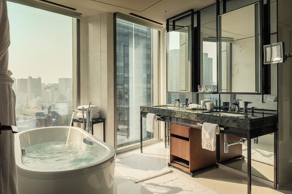 Executive Suite, 2 Double Beds, City View - Bathroom