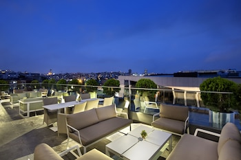 Picture of DoubleTree by Hilton Hotel Istanbul - Piyalepasa in Istanbul
