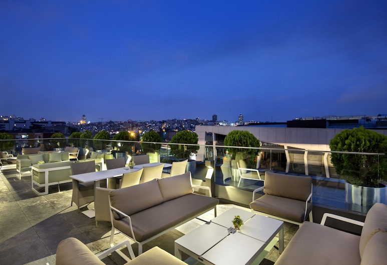 DoubleTree by Hilton Hotel Istanbul - Piyalepasa, Istanbul, Khu ẩm thực ngoài trời