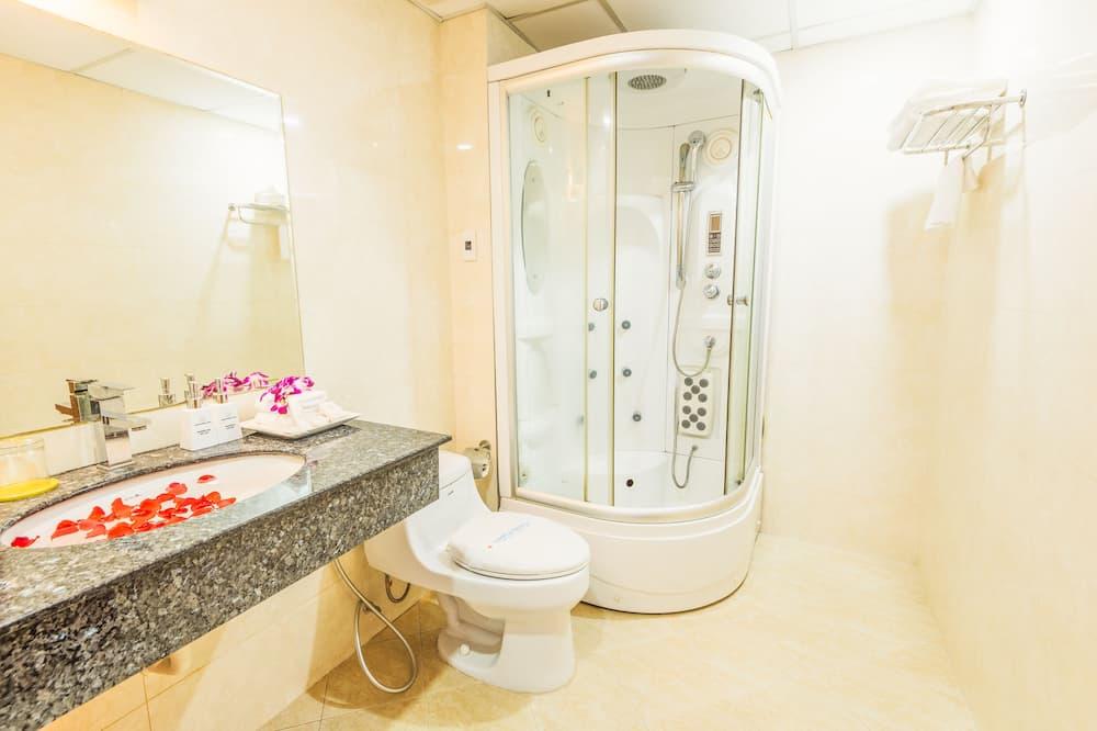Pokój dla 3 osób Executive - Prysznic