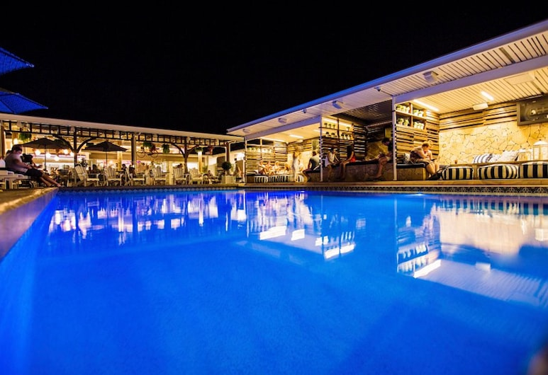 Rambutan Resort, Townsville, Outdoor Pool