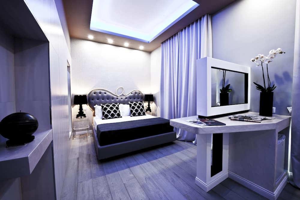 Honeymoon Room, Hot Tub - Guest Room