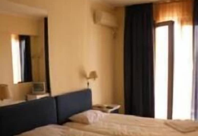 德爾芬妮酒店, 比雷埃夫斯, 雙床房, 客房