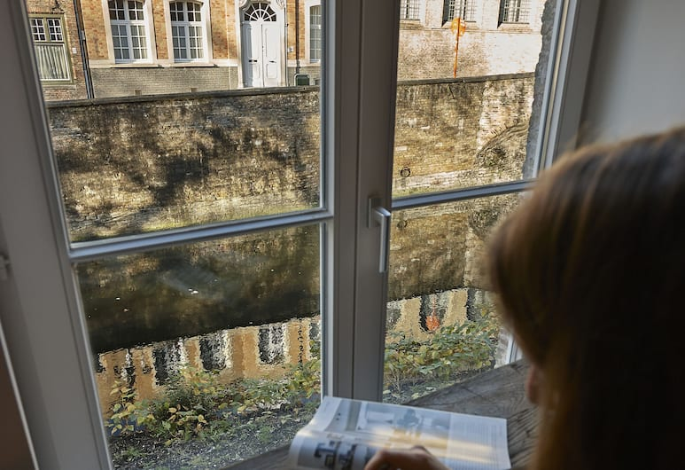 Monsieur Ernest, Μπριζ, Θέα από το ξενοδοχείο