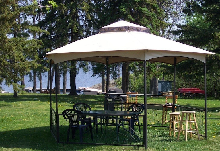 Edgewater Motel and Campground, Temiskaming Shores, Terrein van accommodatie