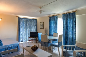 Picture of Beach Club 1 Bedroom Apartment in Ocho Rios