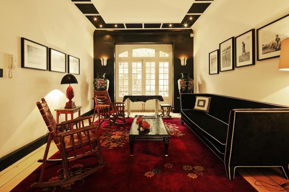 El Patio Suite - Woonruimte