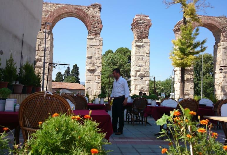 Wallabies Aquaduct Hotel, Selçuk, Açık Havada Yemek